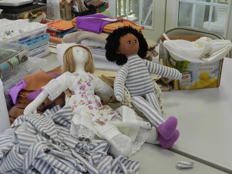 100649-Soft dolls