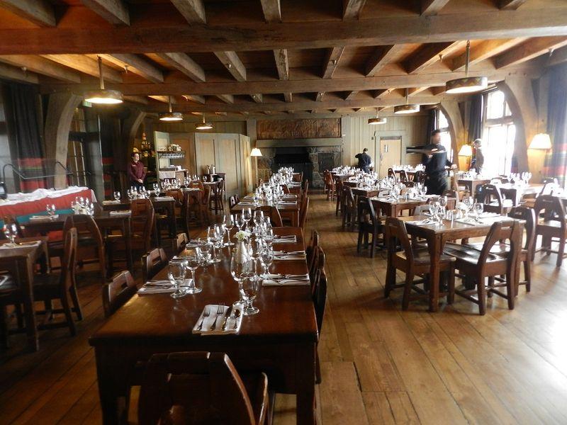 100030-main dining room