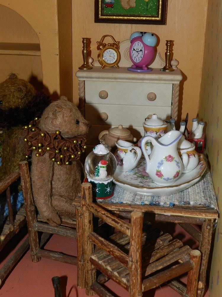 100050-Pommelraie has tea