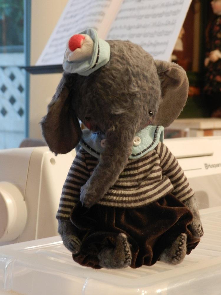 100787-Grisha sailor elephant baby