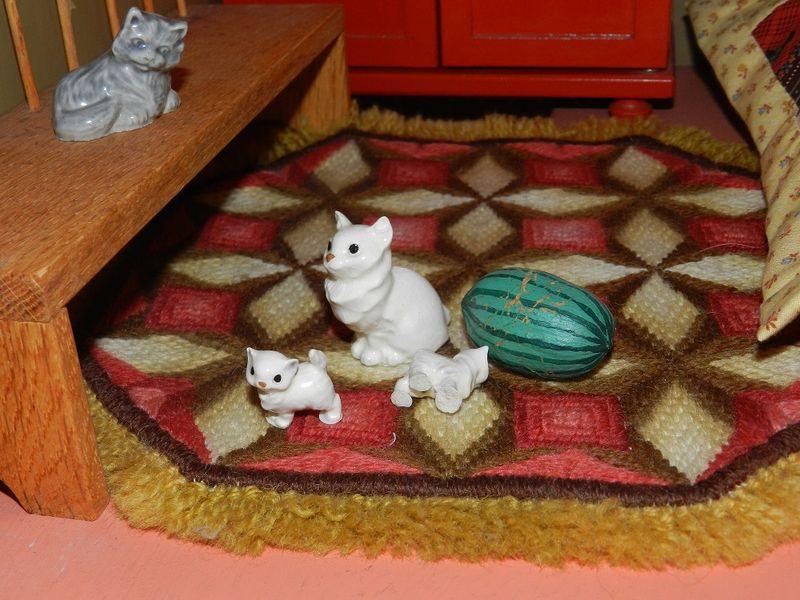 100047-cat breakfast