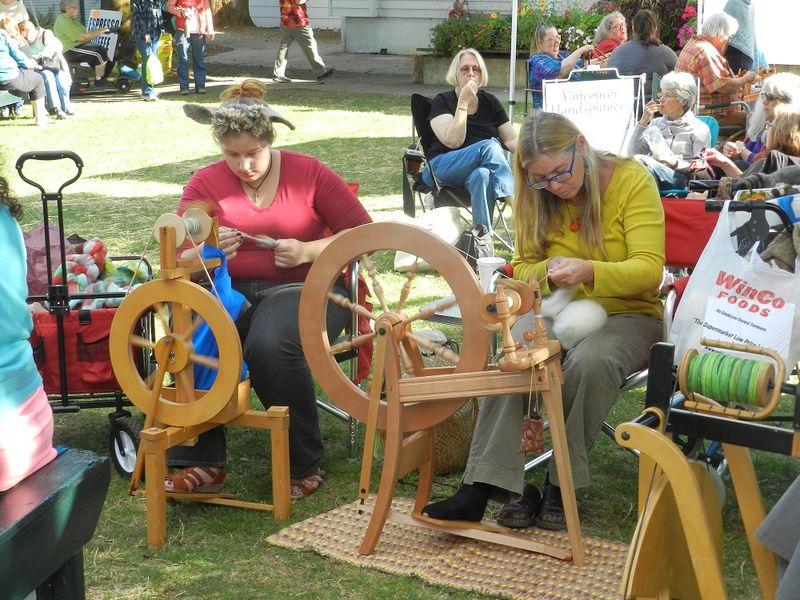1000291-spinning wheels 1